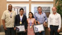 Tony Gali reconoce a Diana Laura Coraza por su triunfo en Para Atletismo