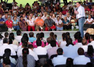 Plantea Osorio Chong Frente en Favor de las Mujeres