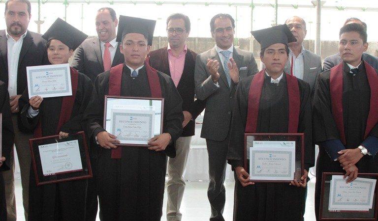Buscan Tlaxcala y Puebla Aumentar Estudiantes a Educación Dual