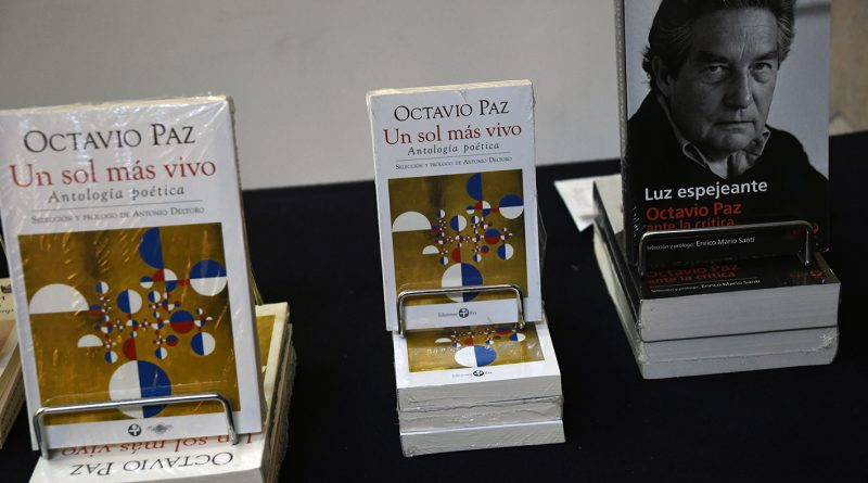 Realizan Homenaje a Octavio Paz con Lectura de sus Poemas en Palacio de Bellas Artes