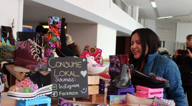 """Apoyan a Pequeños Productores con """"Expo Venta Emprendimiento Creativo"""""""