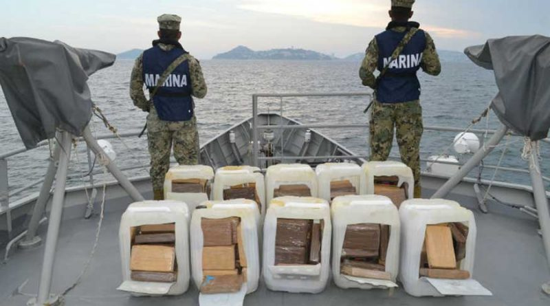 Asegura la Semar Aproximadamente 250 Kg. de Presunta Cocaína y 3 mil Lts. De Combustible, Frente a Costas de Guerrero