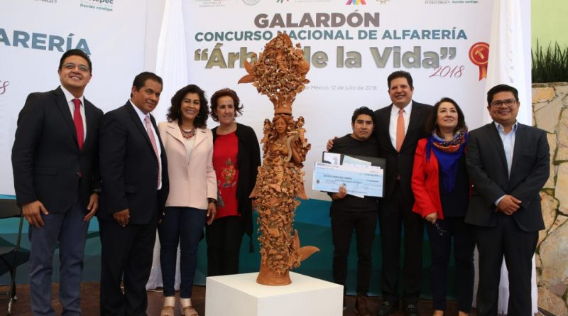 Premian a los Artesanos Ganadores del Concurso Nacional de Alfarería Árbol de la Vida