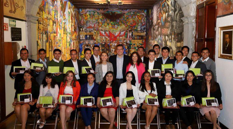 Respalda Gobierno del Estado Talento de Jóvenes Tlaxcaltecas: Marco Mena