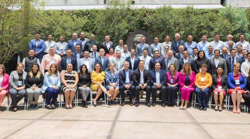 Inaugura Damián Zepeda Reunión de Autoridades Municipales Electas