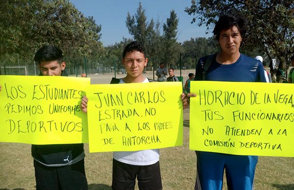 Funcionarios de Iztacalco Ignoran a Deportistas