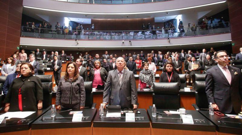 Guarda Senado Minuto de Silencio por las Víctimas de las Lluvias