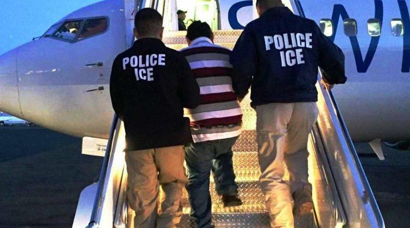 Recibe PGR en Deportación a 3 Hombres Buscados por Autoridades Mexicanas