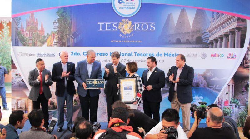 Reciben 5 hoteles y restaurantes de Guanajuato placas de Tesoros de México