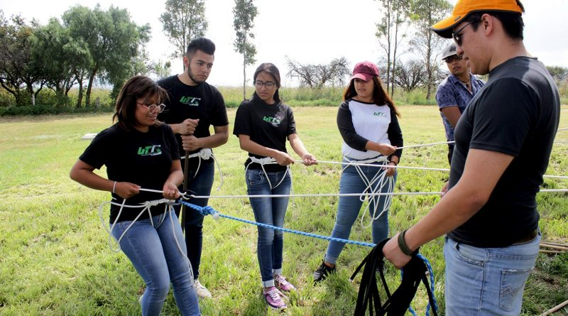 Capacitan a Estudiantes de UTC en Prácticas de Turismo de Aventura