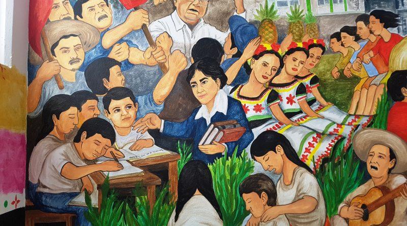 En Secundaria Wenceslao Victoria de CDMX se Exhibe un Mural con Pasajes Importantes Vividos por Movimiento Antorchista