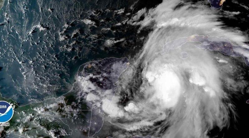 Michael muy Próximo a Intensificarse a Huracán, Desarrolla Vientos de 110 km/h