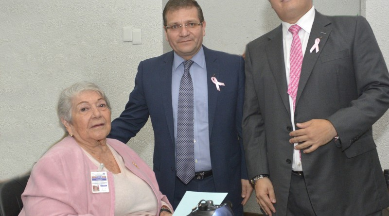 Posible, Evitar que Diariamente Mueran 17 Mujeres por Cáncer de Mama en México: ISSSTE