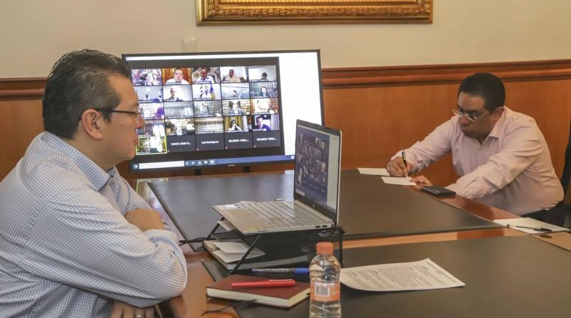 Marco Mena Participa en Videoconferencia por COVID-19